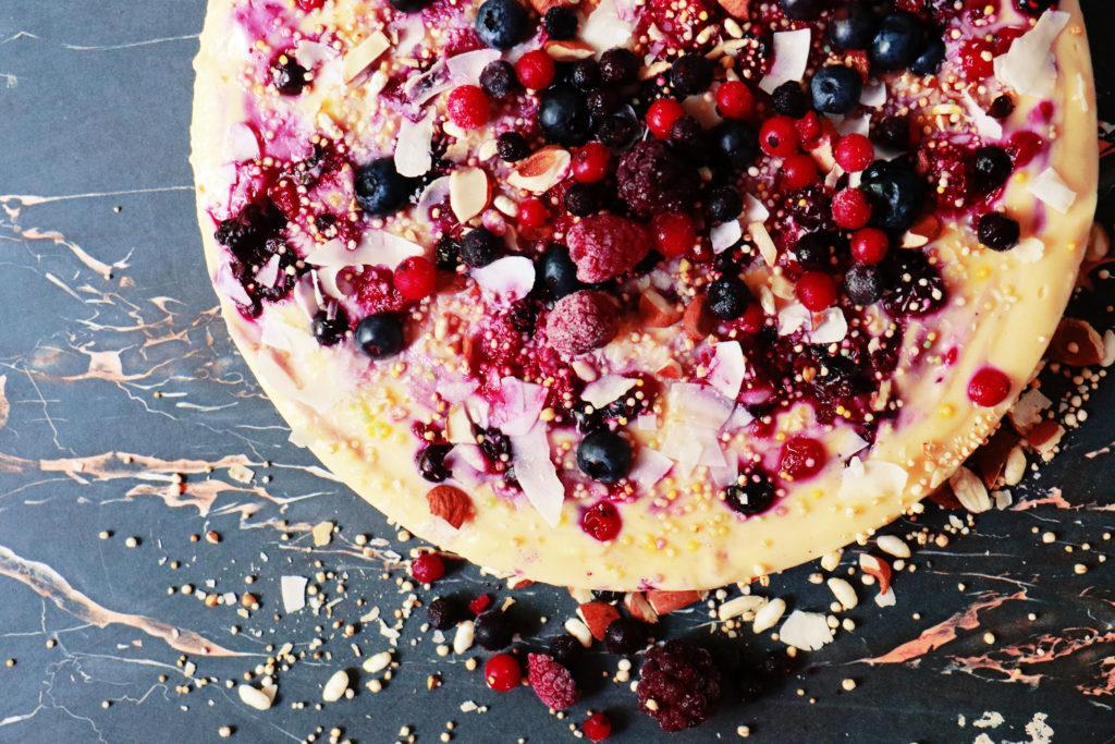 Vanillepudding Kuchen mit Beeren